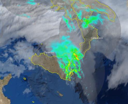 Avvisi meteo: Il radar conferma piogge intense in atto nel messinese ionico