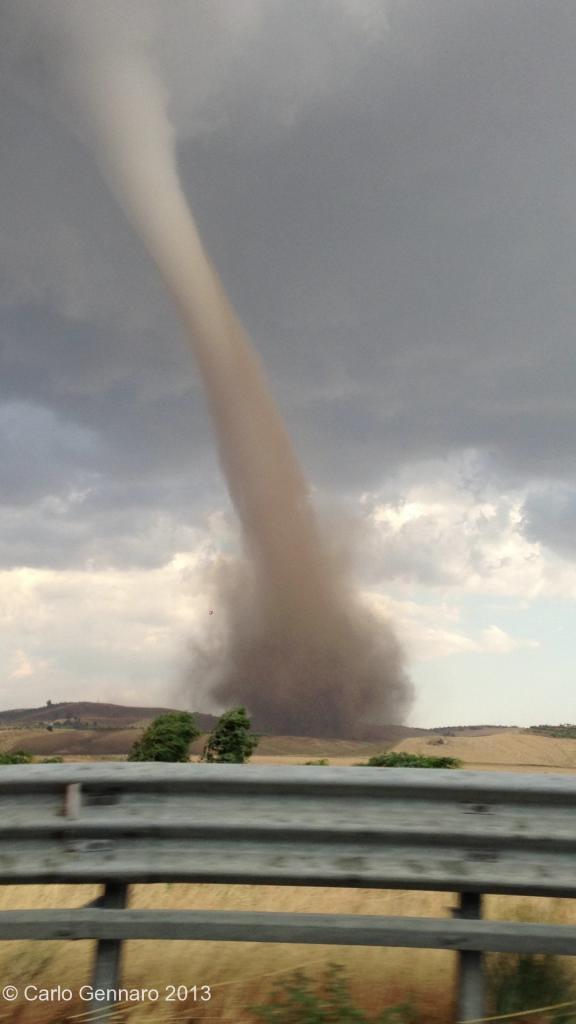 Tornado questo pomeriggio in Sicilia, temporali di oggi solo l'antipasto, messinese sfiorato?