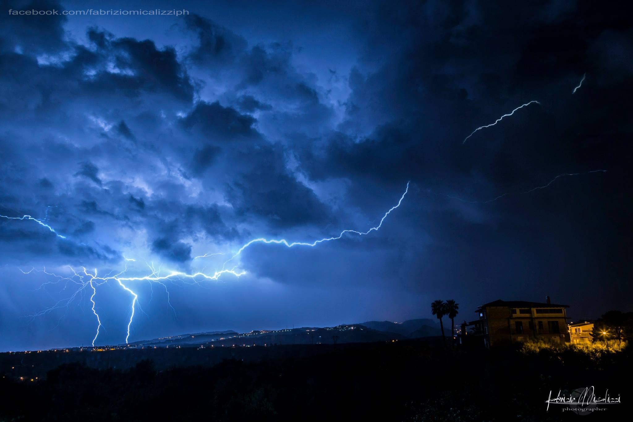 Piogge qualche temporale e calo termico di quasi 10°C entro martedì 2 Settembre!
