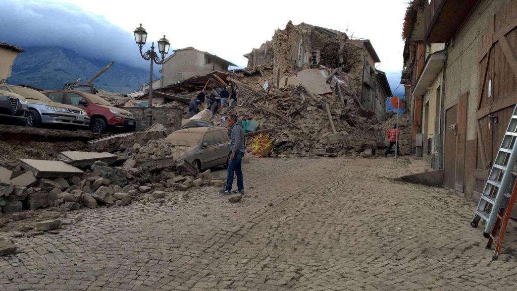 DEVASTANTE TERREMOTO al Centro Italia, vittime