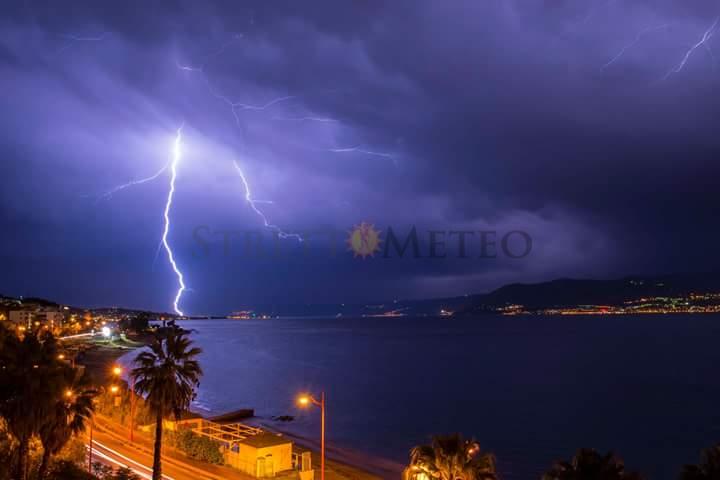 Sarà una domenica perturbata. Attese piogge e temporali sulla Sicilia orientale!