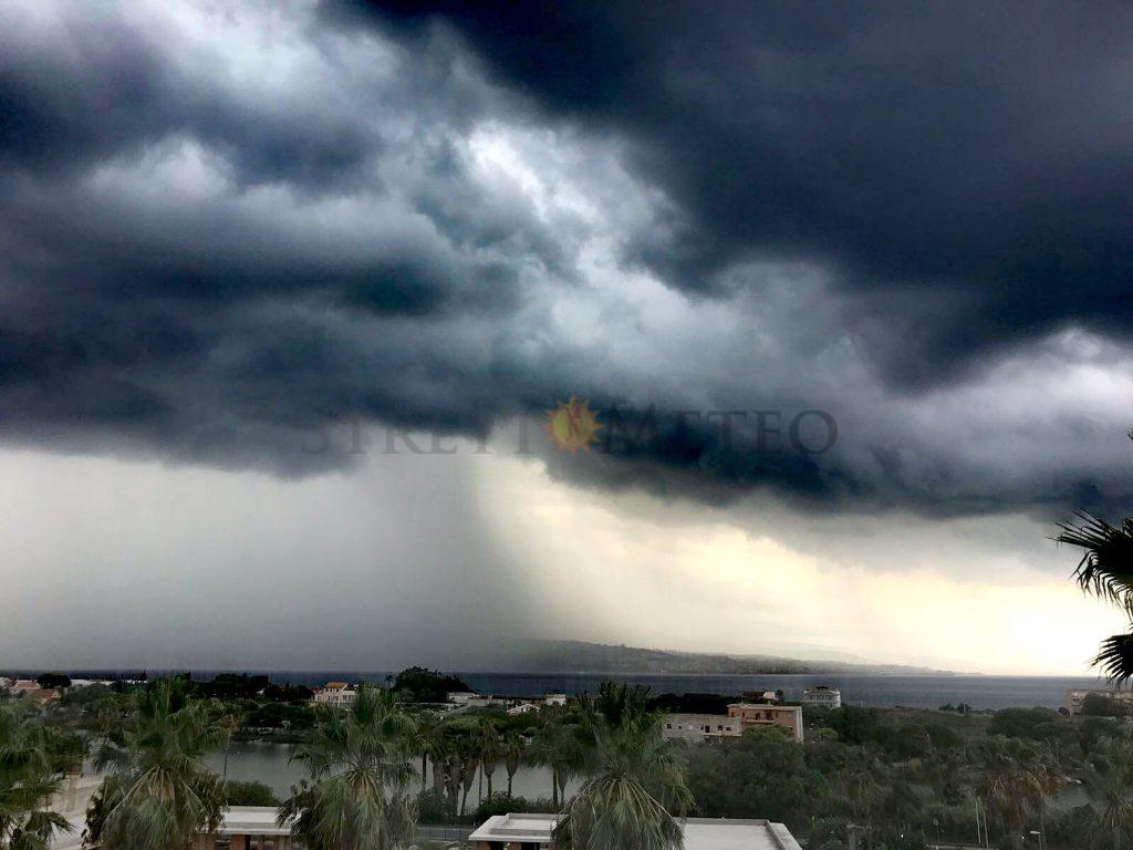 Sarà un giovedì instabile e temporalesco. Attesa neve sull'Etna!