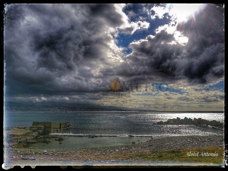 Il vortice ciclonico punta lo Ionio. Precipitazioni in arrivo sul nord Sicilia e calo termico.